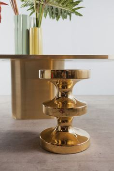 From Carwan Gallery, India Mahdavi, Bishop stool/side table Pure gold finish on enameled ceramic, 60 × 40 cm Contemporary Furniture, Cool Furniture, Furniture Design, Trunk Side Table, Side Tables, Modelos 3d, Shared Rooms, New Living Room, Picture Design