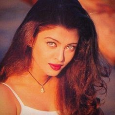 my beautiful aishwarya. Indian Aesthetic, 90s Aesthetic, Aesthetic Vintage, Actress Aishwarya Rai, Aishwarya Rai Bachchan, Bollywood Actress, Most Beautiful Indian Actress, Beautiful Actresses, Megan Fox Hot