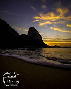 Da série pq acordar cedo faz bem! Bom dia!   #olimpiadatachegando #leandromarinofotografia #bestoftheday #picoftheday #photooftheday #fotododia #colors #lightslover #sunrise #rio #rj #errejota #errejota021 #rioqueeuamo #cidademaravilhosa #wonderfulcity #seasunrise #seascape #beach #beachscape #mountains #sugarloaf #brasil #brazil - http://ift.tt/1HQJd81