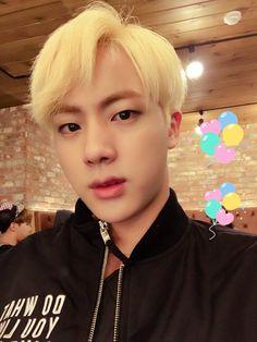 Jin ❤ MY HEARTEU, WHY YOU SO HANDSOMEEEE #BTS #방탄소년단