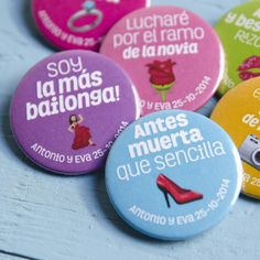 "Pack de chapas para bodas ""Emotipack"" - Yo soy tu chapa Wedding Favours, Wedding Themes, Wedding Cards, Our Wedding, Dream Wedding, Wedding Decorations, Wedding Invitations, Party In A Box, Fancy Party"