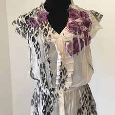 Jonathan Martin sexy floral blouse #23🌞 Sexy, flirty, lightweight and breezy!  This top is in perfect condition and is great for work or play!💋 Tops Blouses