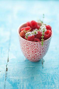Raspberries! - (via We live by the sea we feel by the moon...)