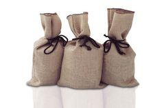 Box Solo: 1Kg de café en grains torréfiés   Cadeau surprise / 2 Semaines Cadeau Surprise, Chocolate Coffee, Burlap, Reusable Tote Bags, Passion, Hessian Fabric, Canvas