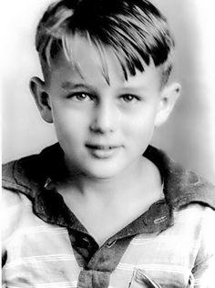 a young James Dean