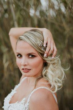 Bridal Looks. Bridal make up & hair inspiration. Bridal Make Up, Bridal Looks, Bridal Photography, Wedding Book, Hair Inspiration, Spring Fashion, Hair Makeup, Pink, Beautiful