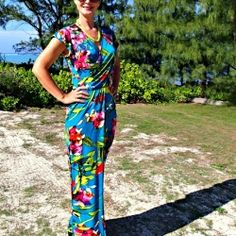 A cute wrap dress pattern with a cross-over bodice with pleats, there's a straight skirt and an optional elastic waist, with a matching tie belt.