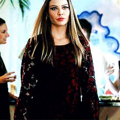 """""#CHLOE IS SLAYING MY SOUL """" 