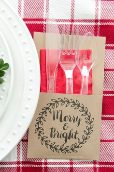 Free Printable Christmas Utensil Holder. Download to make your own holiday utensil holders in minutes! Cheap and easy DIY holiday party decor