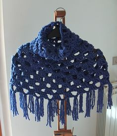 free crochet pattern, cowl neck capelet on Ravelry