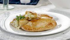 Tradicionales y deliciosas: Empanadillas de bacalao con repollo