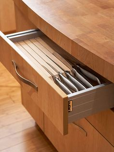 slotted knife drawers