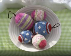 Free pattern for adorable knitted Easter eggs. This whole blog is lovely.