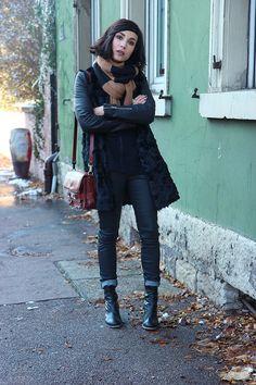 All black | Coline