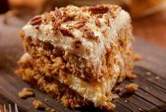 Seulement quelques ingrédients, une réalisation express et un résultat ultra gourmand... Hélène Darroze a séduit ses abonnés Instagram avec une recette de saison : le gâteau aux noix. ...
