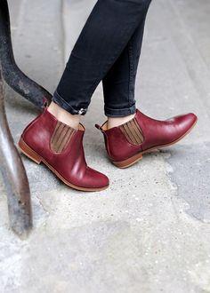 Blue thigh high boots chelsea boots red,lita shoes black velvet kitten heels,wooden platform shoes cut shoes for ladies online shopping. Burgundy Wedding Shoes, Burgundy Heels, Bootie Boots, Shoe Boots, Ankle Boots, Burgundy Pants Outfit, Boots Chelsea, Flipflops, Shoes