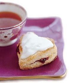 https://www.yahoo.com/food/glazed-raspberry-heart-scones-75727620246.html