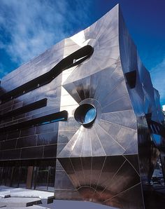 Centre for Ideas - Minifie Nixon completed this building in 2001 and it is both seductive and confounding.  The form is generated from an investigation of Voronoi tessellations realised in brilliant stainless steel. #architecture ☮k☮