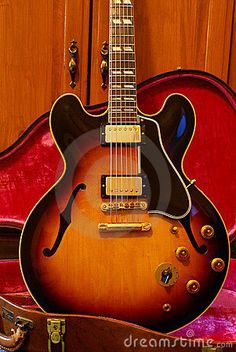 Used Guitars Sale 1951 Gibson ES 350 Single Cutaway