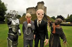 Doctor Who monsters hanging out