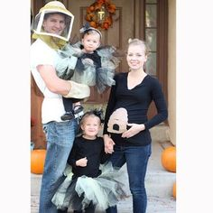 8 pregnant halloween costumes for couples - Pregnancy Halloween Costume Ideas For Couples
