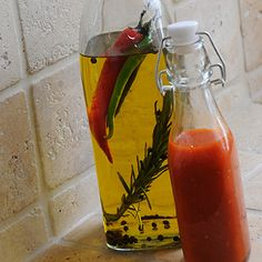 Hot Chilli Sauce http://www.kilnerjar.co.uk/hot-chilli-sauce#cms-content-top