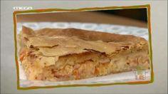 Κασεροπιτα  ΥΛΙΚΑ  Για τα φύλλα  500 γρ. αλεύρι μαλακό ή γ.ό.χ.  2 κ.σ. λάδι  250 ml νερό  1 κ.γ. ξίδι  Λίγο αλάτι  Για τη γέμιση  200 γρ. καπνιστό τυρί   100 γρ. γραβιέρα  100 γρ. ημίσκληρο τυρί  350 γρ. ντομάτα  Λίγη ρίγανη ξερή Greek Recipes, Lasagna, Cooking, Ethnic Recipes, Food, Kitchen, Kochen, Meals, Yemek
