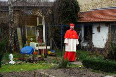 Kardinal Müller im Garten seines Elternhauses in Finthen bei #Mainz