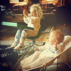 Baby Taylor Swift and Baby Austin Swift Taylor Swift Childhood, Young Taylor Swift, Baby Taylor, Long Live Taylor Swift, Taylor Swift Fan, Taylor Swift Songs, Taylor Swift Pictures, Taylor Alison Swift, Taylor Taylor