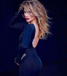 Haute Look #JenniferLopez @jlo #beauty #style #chic #glam #haute #couture #design #luxury #lifestyle #prive #moda #instafashion #Instastyle #instabeauty #instaglam #fashionista #instalike #streetstyle #fashion #photo #ootd #model #blogger #photography #jlo