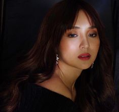 Kath's new hairstyle 😍 Kathryn Bernardo Photoshoot, Filipina Actress, Daniel Padilla, Curtain Bangs, Jenner, Photoshoot Inspiration, New Hair, Asian Beauty, Cool Girl