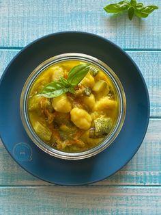 Gnocchi con zucchine in vasocottura - Dal tegame al vasetto Gnocchi, Chana Masala, Food Styling, Pickles, Cucumber, Soup, Ethnic Recipes, Soups, Pickle