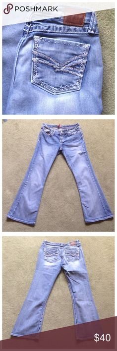"BKE Buckle Size 30 Sabrina Boot Cut Blue Jeans Excellent condition; Across waist - 16"", Front rise - 8"", Inseam - 30"", Leg opening - 9""; Cotton, Polyester, Spandex BKE Jeans Boot Cut"