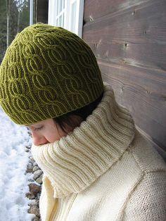 Lina - free knitting pattern at ravelry