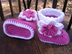 Crochet Baby Boots Baby Booties Baby Shoes 3 to 6 by PrissysPlace, $17.00