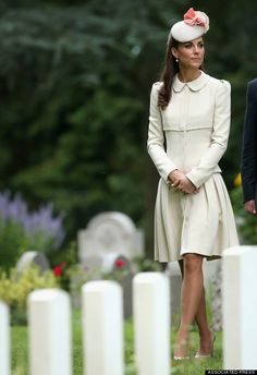 Kate Middleton's World War I Ceremony Outfit Is Crisp And Classic