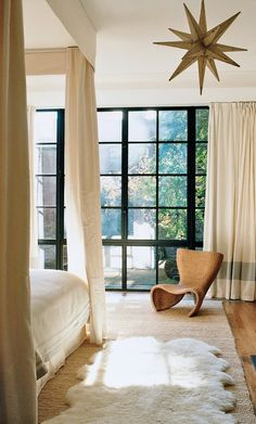 The 26 most beautiful bedrooms in Vogue.