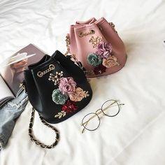 Women Bucket Bags Female Crossbody Bags Flower Appliques Design Chain – intothea