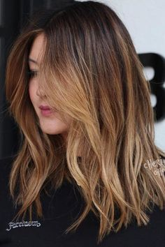 Caramel Ombré When your crown is feeling more lackluster than lustrous, it's time to head to the salon and hit the refresh button. From root beer to rose brown, this year's hair color trends for brunettes are taking dull brown strands from monotone to m Couleur Ombre Hair, Ombre Hair Color, Hair Color Balayage, Cool Hair Color, Brown Hair Colors, Brown Blonde Hair, Light Brown Hair, Light Hair, Brown Hair With Caramel Highlights Light