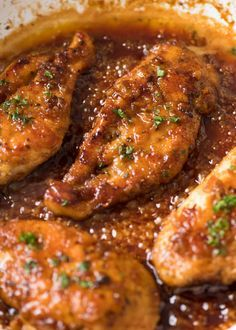 A fabulous quick and easy chicken recipe – Honey Garlic Chicken Breast. Just chi… A fabulous quick and easy chicken recipe – Honey Garlic Chicken Breast. Just chicken, butter, honey, garlic, vinegar and soy sauce. Chicken Thights Recipes, Chicken Parmesan Recipes, Chicken Salad Recipes, Recipe Chicken, Quick Easy Chicken Recipes, Chicken Beast Recipes, Easy Chicken Meals, Chicken Cutlet Recipes, Soy Sauce Chicken
