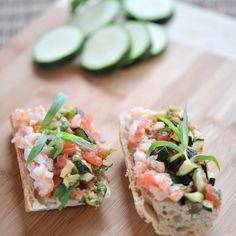 Découvrez la recette Tartines de légumes aux écrevisses sur cuisineactuelle.fr.