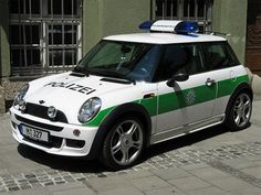police cars | Police Cars from Around the World [30 PICS]