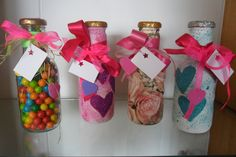 Frascos para amor y amistad con dulces  pedidos 3003911015 Medellin Love Days, Sweet 15, Ideas Para Fiestas, Gift Wrapping, Decoupage, Diy And Crafts, Jar, Valentines, Paintball