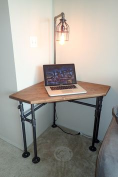 DIY Wood Working projects: Industrial Pipe Corner Desk - pub height or normal...