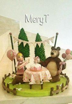 Cake topper Masha e orso in pasta di mais,porcelana furia, cold porcelain