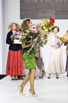 Atelier tailor-made DressTheatre Couture by Dora Blank: - sewing of clothes and shoes, - evening dresses, - individual collections - style selection Bridesmaid Dresses, Wedding Dresses, Evening Dresses, Clothes, Collection, Style, Fashion, Bridesmade Dresses, Bride Dresses
