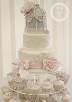 Vintage Glamour Birdcage. I adore Birdcage Wedding Cakes and this one from Cotton and Crumbs is stunning.