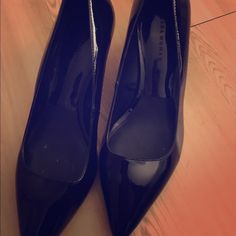 Zara low patent pumps worn twice great for a night out but can work for a business meeting as well Zara Shoes Heels