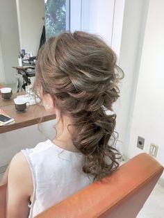 【2018年春】ポニーテール風♪こなれハッピーアレンジ^_^Celeste荻窪/Celeste荻窪店 【セレストオギクボテン】のヘアスタイル|BIGLOBEヘアスタイル Hair Arrange, Hair Setting, Wedding Hairstyles, Salons, Long Hair Styles, Beauty, Weddings, Hairdos, Wedding Hairsyles