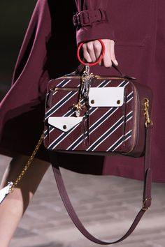 Mulberry at London Fashion Week Spring 2017 - Details Runway Photos
